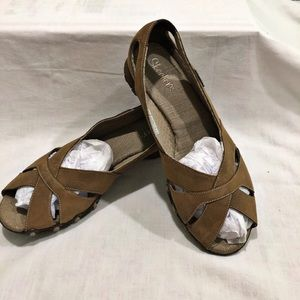 Skechers Open Toe Flats. Size 9.5